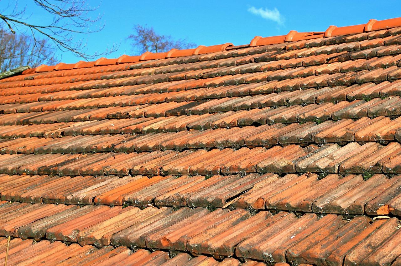 Dach renovieren oder erneuern?