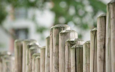Sichtschutzzäune im heimischen Garten