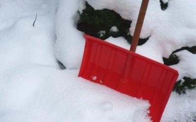 Bei Eis und Schnee gilt Räum- und Streupflicht für Hausbesitzer