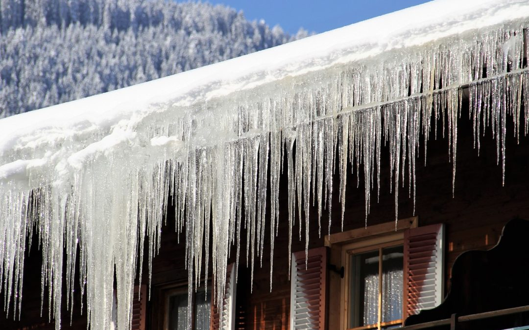 Häuser vor Eiszapfen und Tauwasser schützen