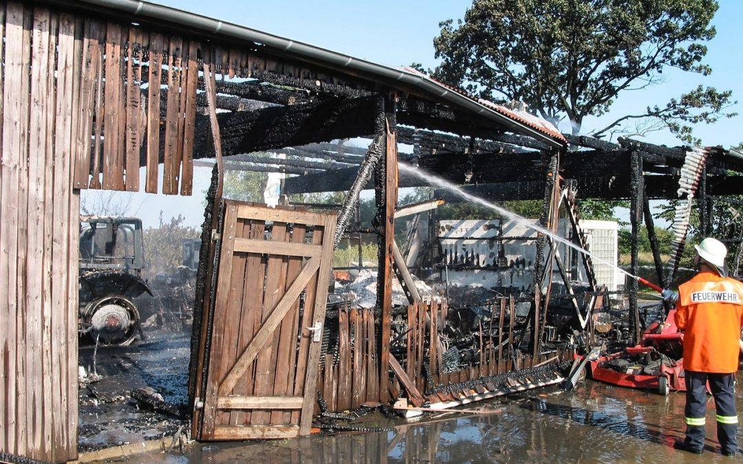 Welche Versicherung zahlt beim Brandschaden?